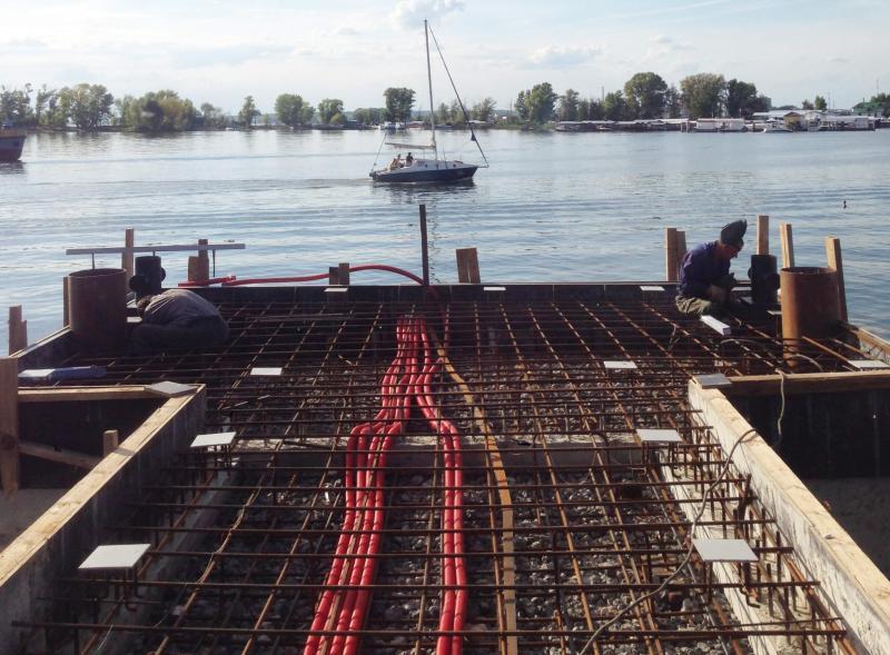 Укрепление берега и причальные сооружения для лодочной станции ОАО «ТАИФ»